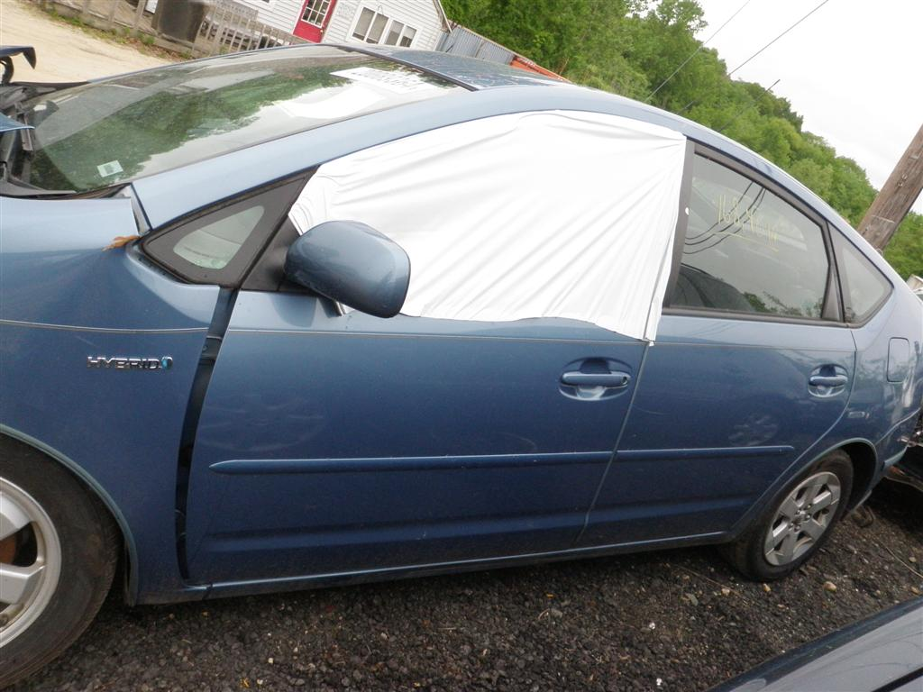 This 2007 Toyota Prius has a ...