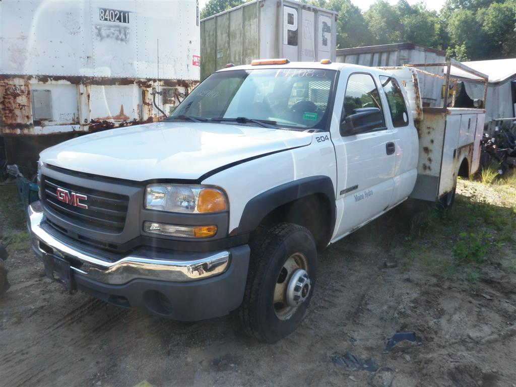 2004 Gmc Sierra 3500 Work Truck Quality Used Oem Replacement Parts Gm Engine Belt Diagram This Has A 81l V8 Ohv 16v And 5 Speed Automatic Overdrive Transmission If You Need From Or Any